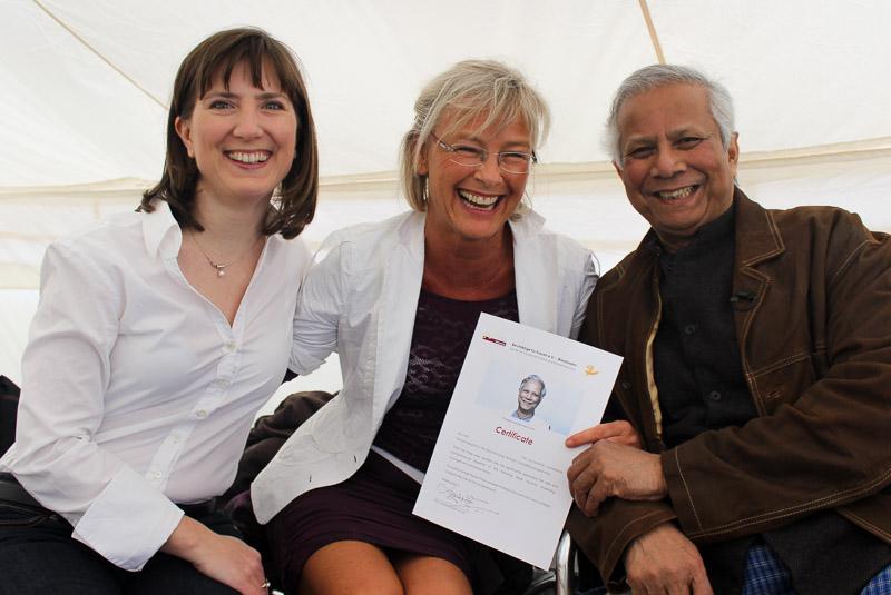 Schirmherr Prof. Yunus mit Gabriele Möhlke und Kerstin Rücker