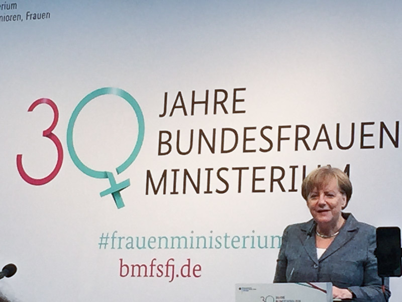 Social Business Women 30-Jahre Frauenministerium