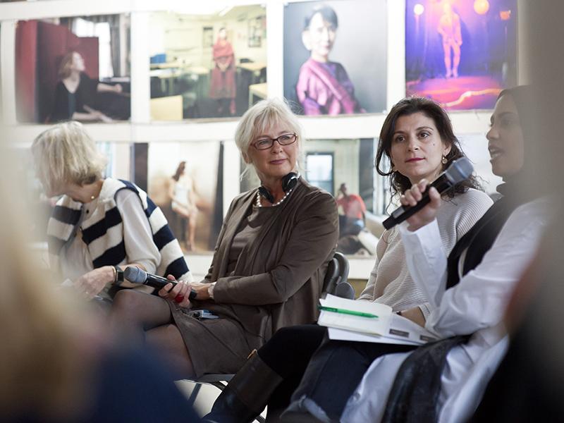 Social Business Women - Women new Portraits mit Annie-Leibovitz-1