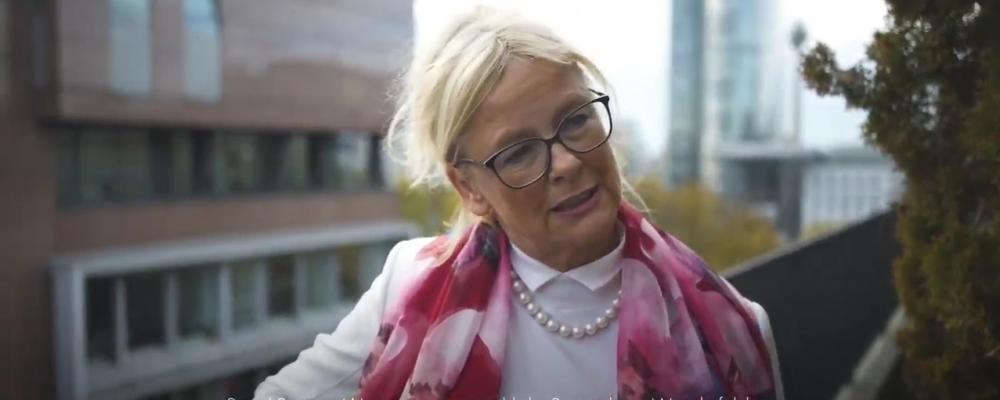 Social Business Women - Video Million Chances Award